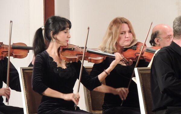 Особенно зрителям понравился синтез азербайджанской музыки с европейской - Sputnik Азербайджан