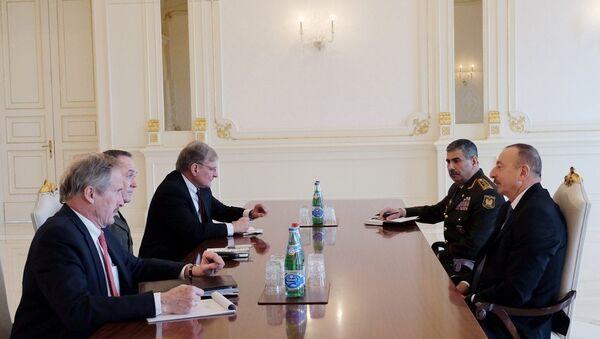 Президент Ильхам Алиев принял Джозефа Данфорда - Sputnik Азербайджан