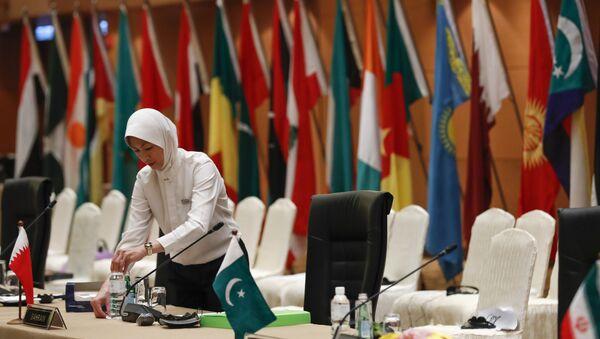 Флаги стран участников внеочередной сессии Организации исламского сотрудничества - Sputnik Азербайджан