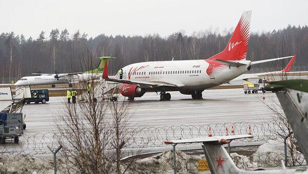 Самолет Вим Авиа в аэропорту Рига - Sputnik Азербайджан