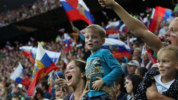 Российские футбольные болельщики, фото из архива - Sputnik Азербайджан
