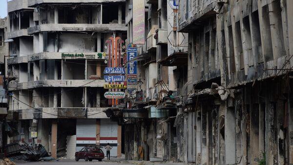 Разрушенные дома на одной из улиц Хомса - Sputnik Азербайджан