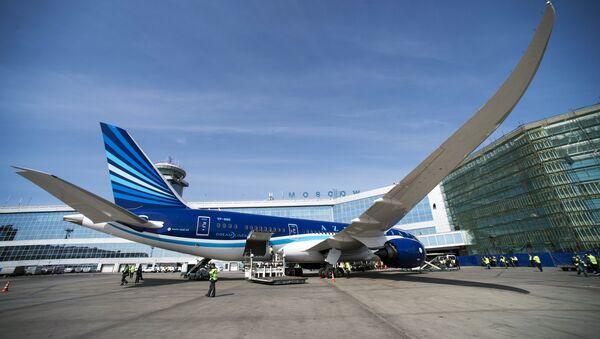 Самолет Boeing 787 Dreamliner компании Азербайджанские авиалинии, фото из архива - Sputnik Азербайджан