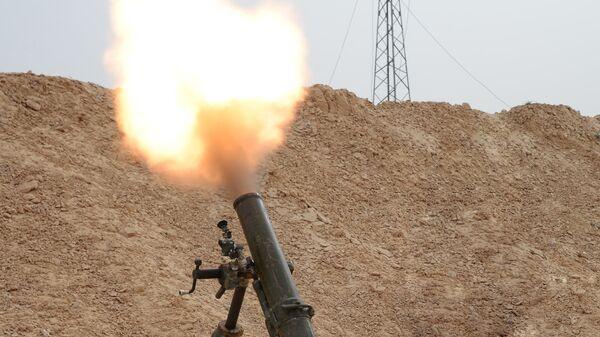Стрельба из миномета, фото из архива - Sputnik Azərbaycan