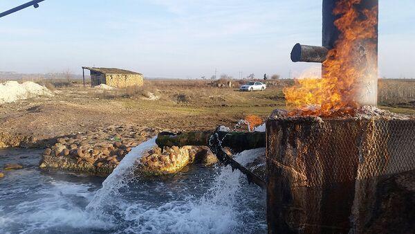 Источник в селе Гызылхаджылы Геранбойского района - Sputnik Азербайджан