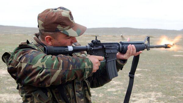Солдат ВС Азербайджана, фото из архива - Sputnik Azərbaycan