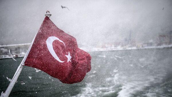 Турецкий флаг на судне, фото из архива - Sputnik Азербайджан
