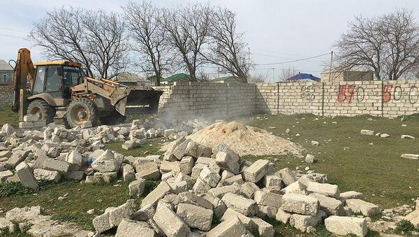 В ходе мониторинга было выявлено начатое самовольное строительство на 25 гектарах земель сельскохозяйственного назначения - Sputnik Азербайджан