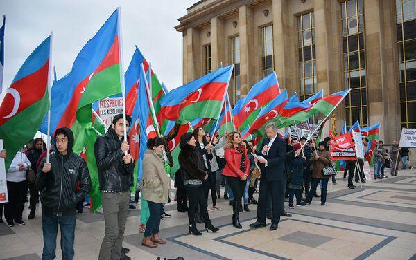 Приезд в Европу виновного в Ходжалинском геноциде неприемлемо, – заявили участники акции - Sputnik Азербайджан
