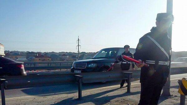 Место аварии на трассе Баку-Сумгайыт - Sputnik Азербайджан