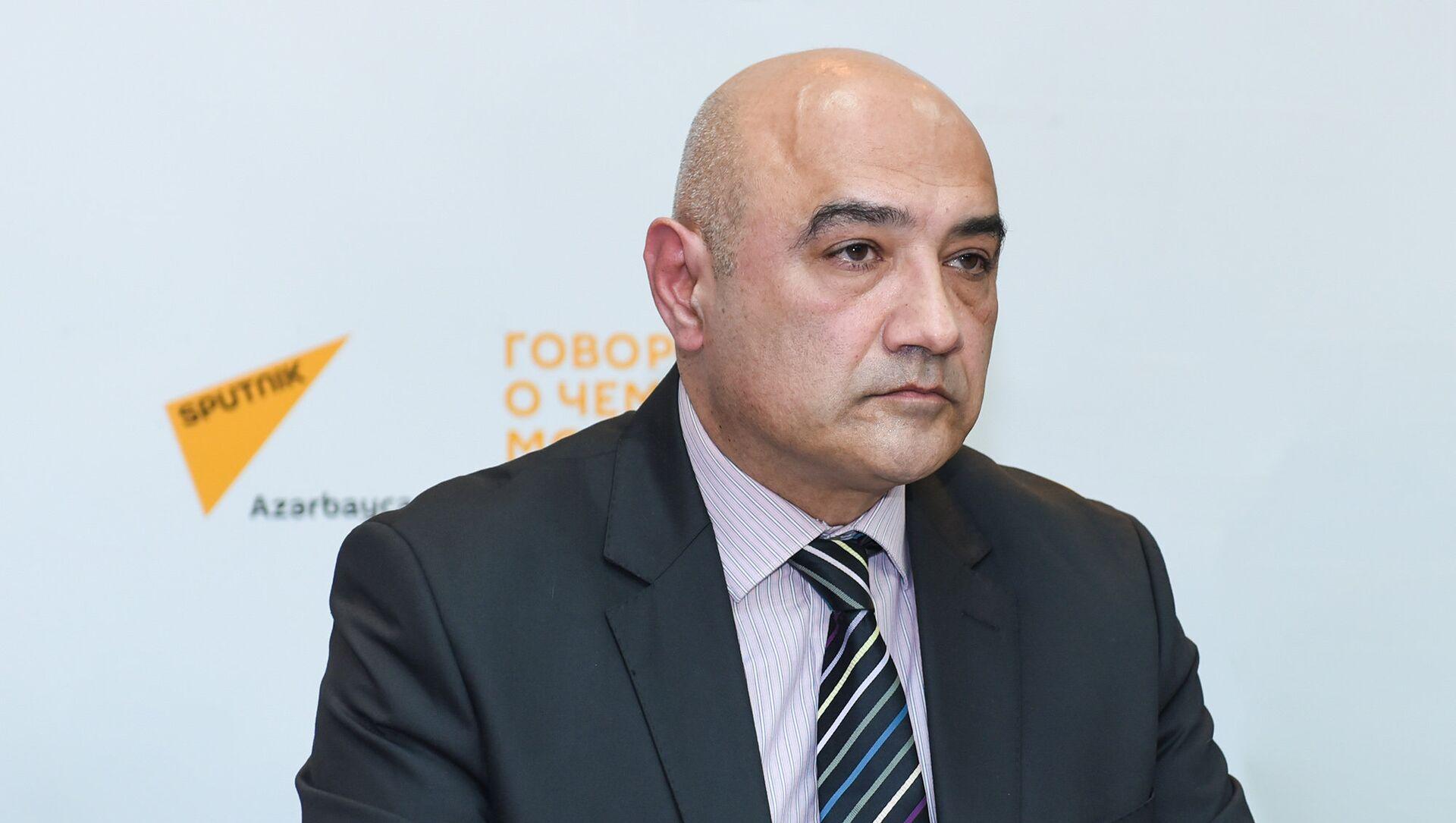 Политолог Тофик Аббасов - Sputnik Азербайджан, 1920, 03.08.2021