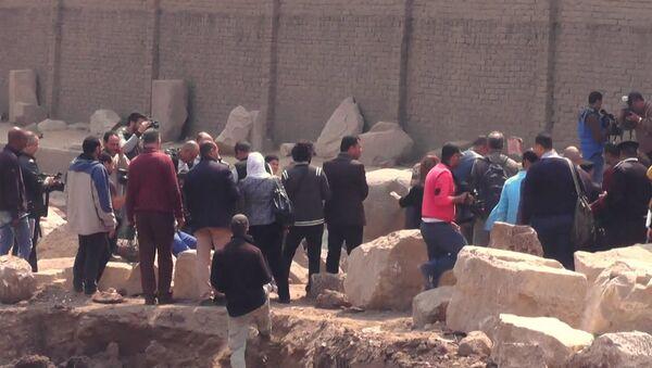 Археологическая находка в Каире: 8-метровая статая эпохи Рамзеса Великого - Sputnik Азербайджан