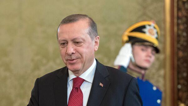 10 марта 2017. Президент Турции Реджеп Тайип Эрдоган во время беседы с президентом РФ Владимиром Путиным - Sputnik Азербайджан