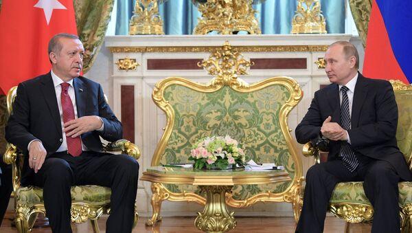 Президент РФ Владимир Путин и президент Турции Реджеп Тайип Эрдоган - Sputnik Азербайджан