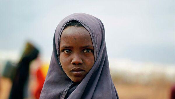 Сомалийская девушка в лагере ООН на востоке Кении, фото из архива - Sputnik Азербайджан