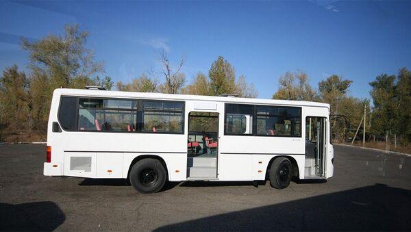 Автобус марки Daewoo, фото из архива - Sputnik Азербайджан