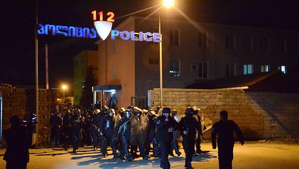 Полицейский спецназ выводят на улицы Батуми для устранения беспорядков - Sputnik Азербайджан