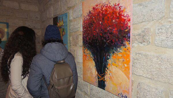 Выставка в галерее Art Tower в Ичеришехер под названием Разнообразие - Sputnik Азербайджан
