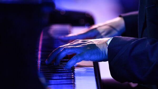 Пианист, фото из архива - Sputnik Azərbaycan