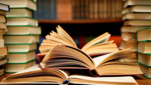 Книги, фото из архива - Sputnik Азербайджан