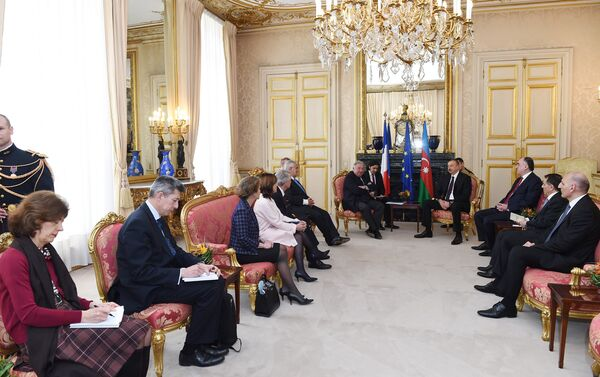 Ильхам Алиев встретился с председателем Сената Франции - Sputnik Азербайджан