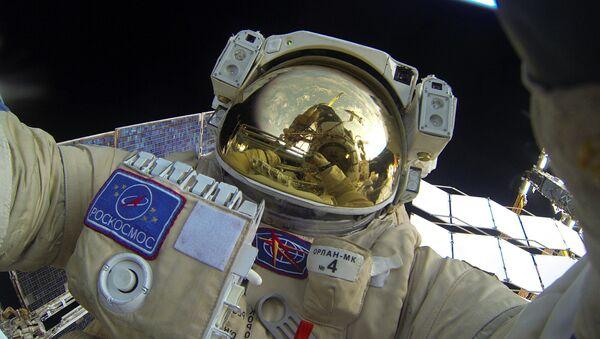 Выход в открытый космос российских космонавтов - Sputnik Azərbaycan
