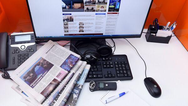 Рабочее место редактора, фото из архива - Sputnik Azərbaycan
