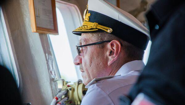 Начальник Управления боевой подготовки ВМФ РФ контр-адмирал Виктор Кочемазов - Sputnik Азербайджан