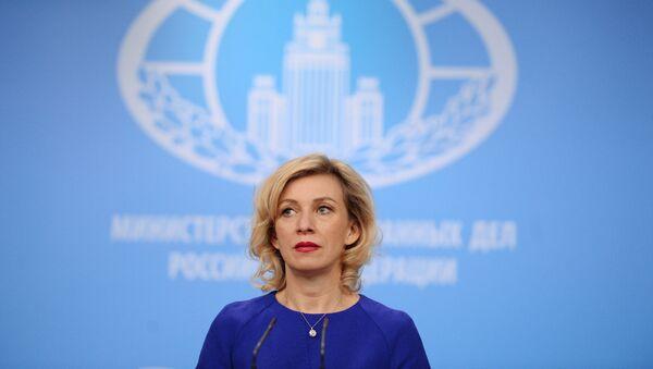 фициальный представитель министерства иностранных дел России Мария Захарова на брифинге в Москве - Sputnik Азербайджан