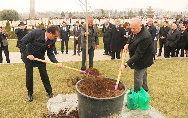 После официальной части мероприятия гости приняли участие в праздновании Новруз - Sputnik Азербайджан