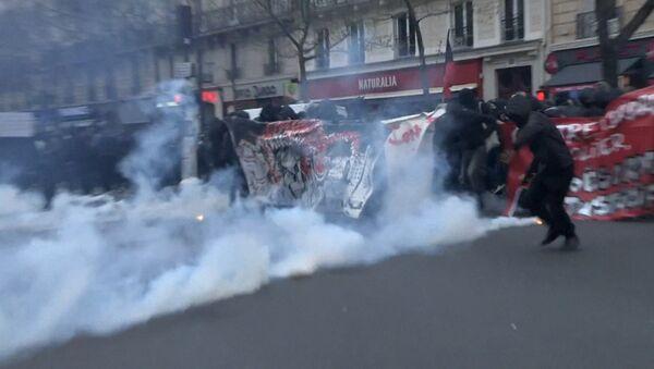Беспорядки в Париже - Sputnik Азербайджан