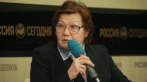 Эксперт по вопросам миграции Александра Докучаева - Sputnik Азербайджан