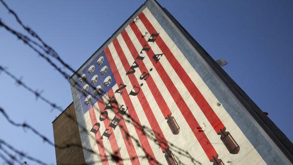 Антиамериканский плакат в Тегеране, фото из архива - Sputnik Азербайджан