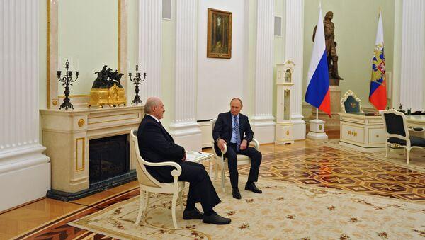 Президент РФ Владимир Путин и президент Белоруссии Александр Лукашенко во время встречи в Москве, 22 ноября 2016 - Sputnik Азербайджан