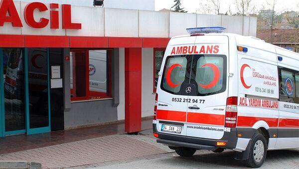 Автомобиль скорой помощи в Турции, фото из архива - Sputnik Азербайджан