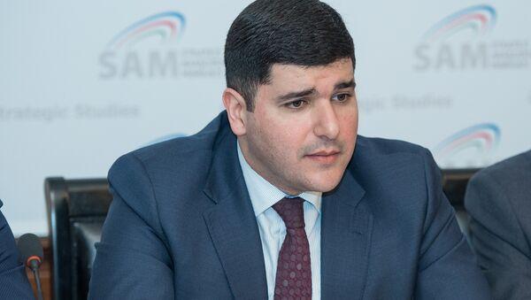 Директор Центра стратегических исследований при Президенте Азербайджана Фархад Мамедов - Sputnik Азербайджан