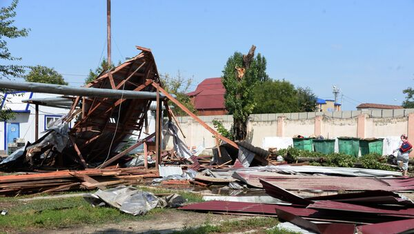 Последствия сильного ветра, фото из архива - Sputnik Азербайджан