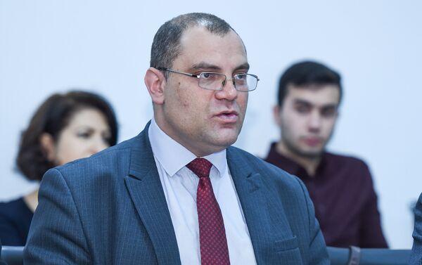 Преподаватель МГИМО МИД России Алексей Фененко - Sputnik Азербайджан