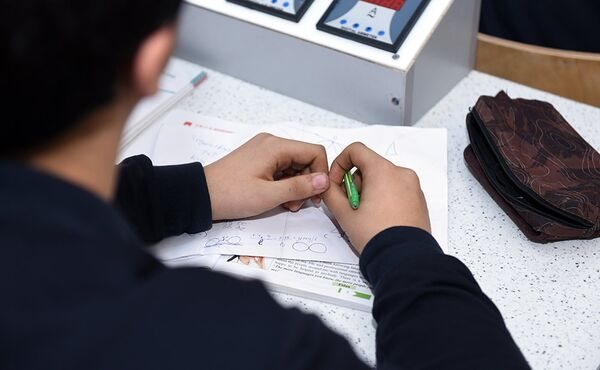 Учебный процесс в Республиканском лицее с физико-математическим уклоном - Sputnik Азербайджан