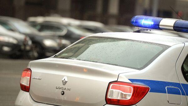 Полицейский автомобиль на Манежной площади Москвы - Sputnik Azərbaycan