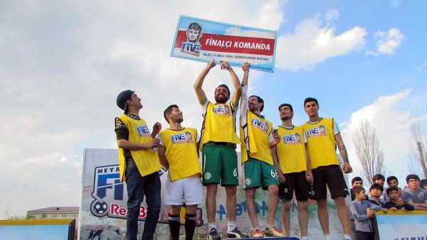Игроки команды Ленко – финалиста регионального отбора футбольного турнира Neymar Jr's Five - Sputnik Azərbaycan