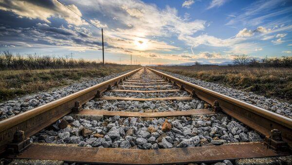 Железнодорожные рельсы, фото из архива - Sputnik Azərbaycan