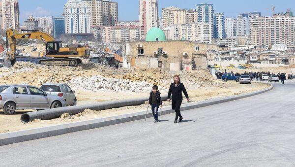 Ситуация возле мечети Гаджи Джавада в Баку - Sputnik Азербайджан