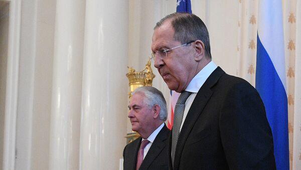 Министр иностранных дел РФ Сергей Лавров и Государственный секретарь США Рекс Тиллерсон, фото из архива - Sputnik Азербайджан