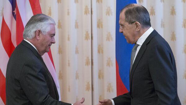 Государственный секретарь США Рекс Тиллерсон и министр иностранных дел РФ Сергей Лавров во время переговоров в Москве, 12 апреля 2017 года - Sputnik Азербайджан