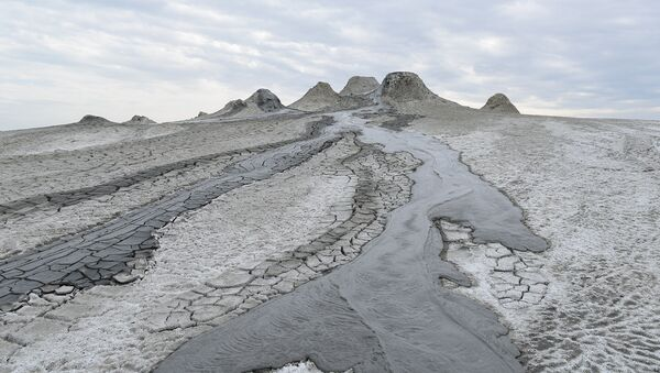 Qobustandakı palçıq vulkanı - Sputnik Азербайджан