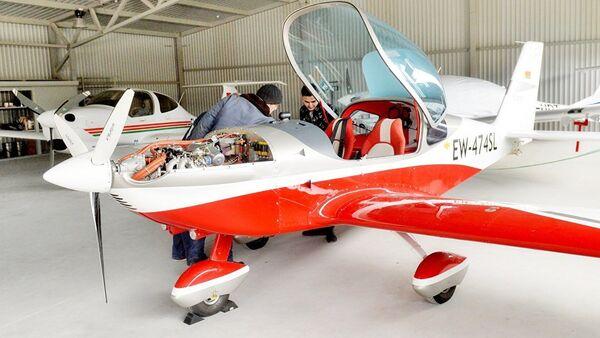 Обучение пилотированию самолета Viper стоит 6,2 тысячи евро - Sputnik Азербайджан