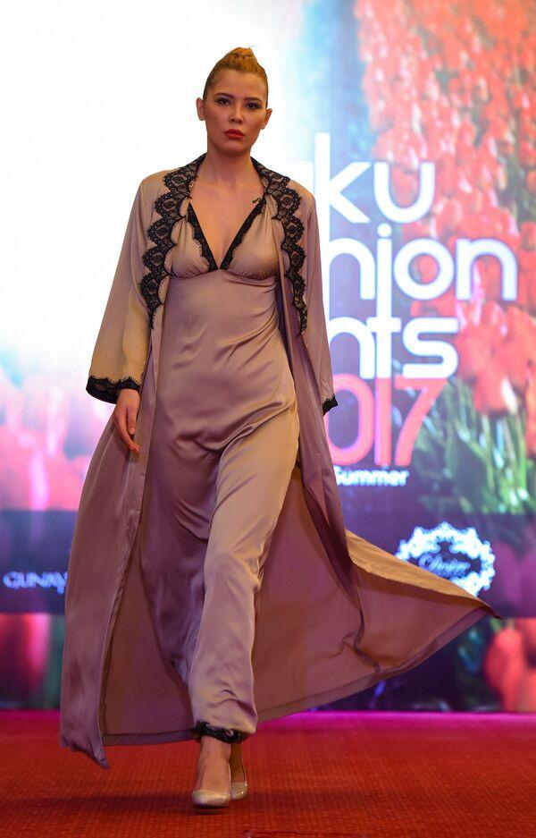 Весенний модный показ Baku Fashion Night 2017 - Sputnik Азербайджан