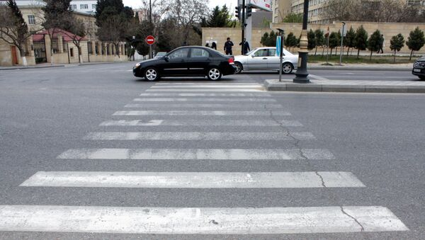 Пешеходный переход на проспекте Метбуат в Баку - Sputnik Азербайджан