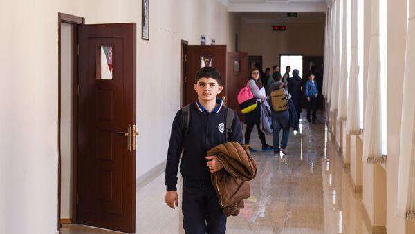 Ученики одной из средних школ Баку, фото из архива - Sputnik Азербайджан